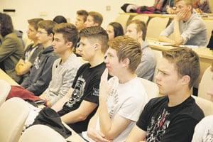 Zapojilo sa 120 študentov.