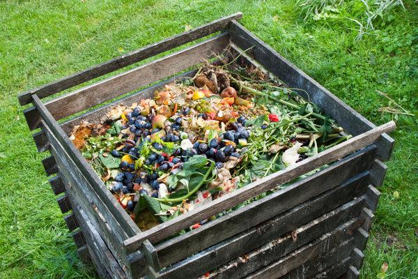 Domáci kompostér