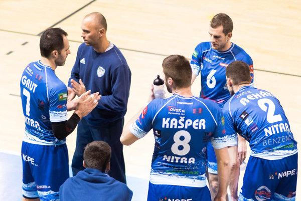 Zverenci trénera Mareka Kardoša sú obhajcom trofeje afavoritom vo finálovej sérii sPrievidzou.
