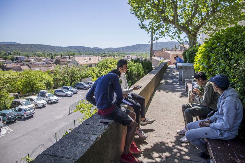 V Cogoline žije síce veľká moslimská menšina, veľké problémy s ňou však nie sú.