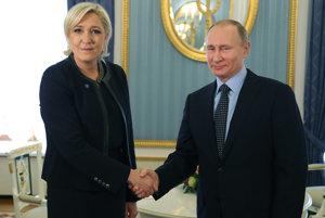 Marine Le Penová a Vladimir Putin.