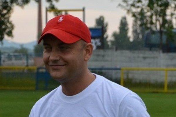 Peter Hazucha je štedrým mecenášom futbalového klubu vHrušovanoch.