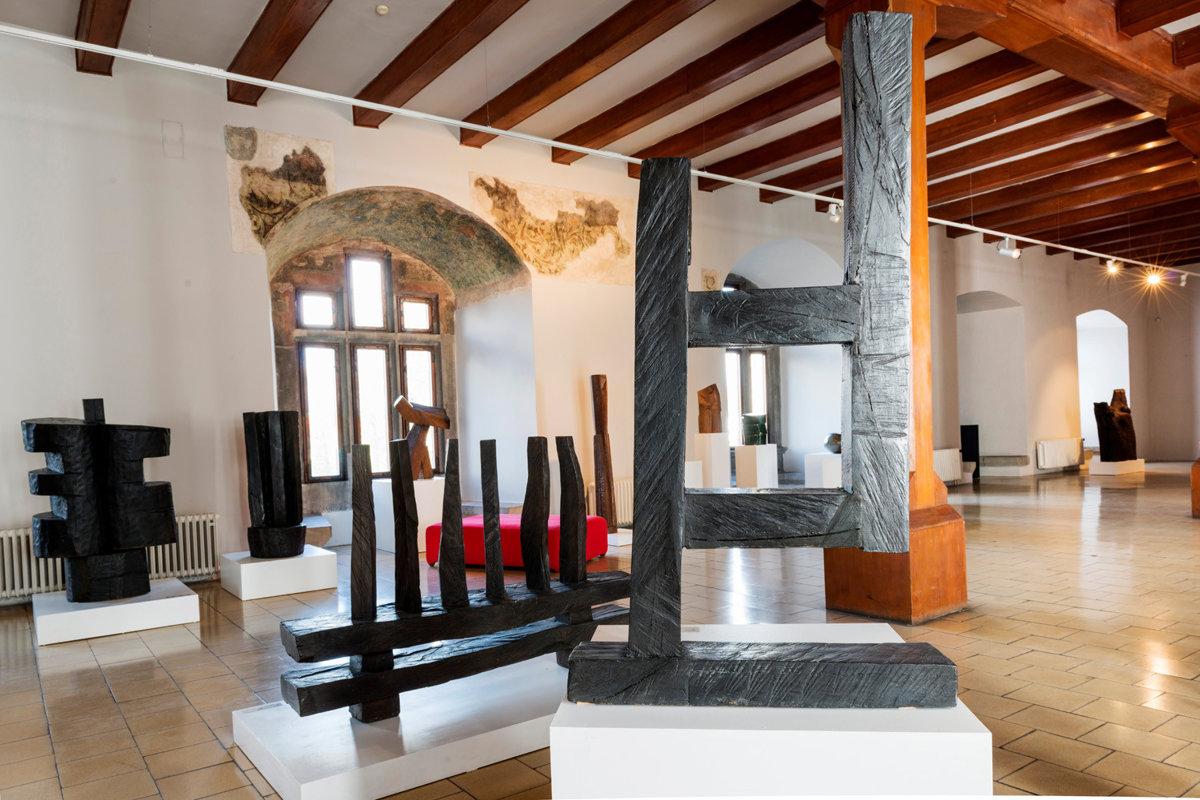 28bf169dc Drevo má v dejinách umenia pozíciu tradičného materiálu - SME   MY ...
