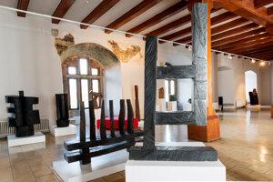 Vladimíra Büngerová priblíži aj expozíciu v Stĺpovej sieni  zámku.