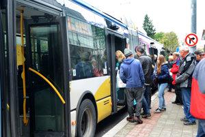 MHD pred dvoma rokmi. Cestujúci mohli štyri mesiace cestovať lacnejšie pre rozkopané centrum mesta.