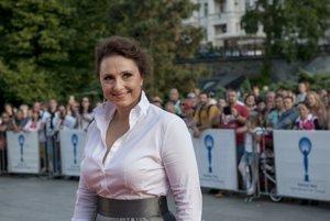 Zuzana Mauréry v Karlových Varoch. Získala tam cenu pre najlepšiu herečku.