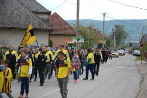 Spomienkový sprievod vKrásnohorskom Podhradí.