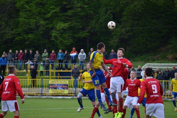 Hráči MFK Rožňava mali počas celého zápasu sHrabušicami prevahu.