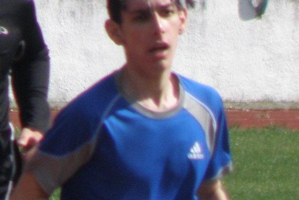 Branislav Plachý zvíťazil vbehoch na 400 aj 1500 m.