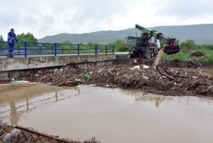 Situácia na rieke Roňava.