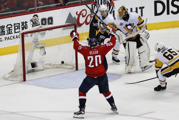 Hoekjisti Pittsburghu nepremenili postupový mečbal, vo Washingtone prehrali 2:4.
