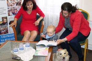 Nová kniha Margity Ivaničkovej (vľavo) nie je iba pre deti.
