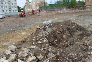 Plášť studne obnovili za prvej republiky.