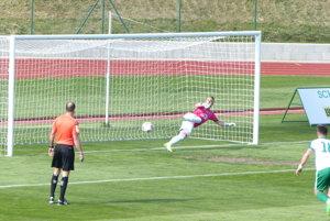 Ľubo Ulrich premieňa pokutový kop a MFK Skalica sa ujíma vedenia v zápase 2. ligy proti lokomotíve Zvolen.