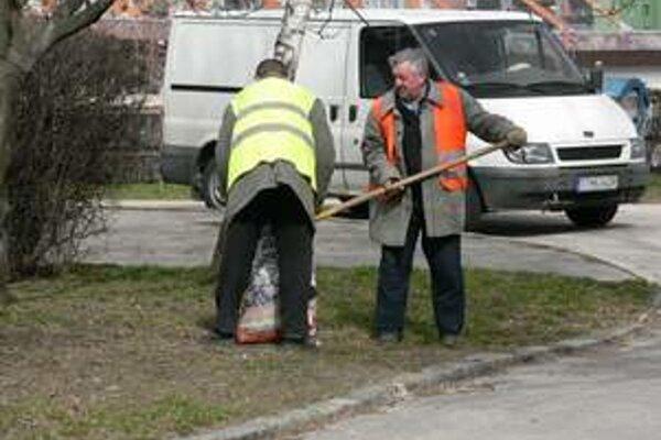 Odsúdení často čistia aj ulice.