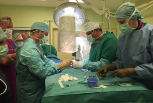Nemocnice do prvej ligy zaraďuje aj to, koľko chirurgických zákrokov sa v nich robí.
