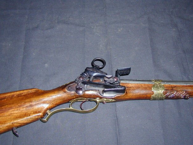 Jedna z ukradnutých zbraní z hradu Červený Kameň