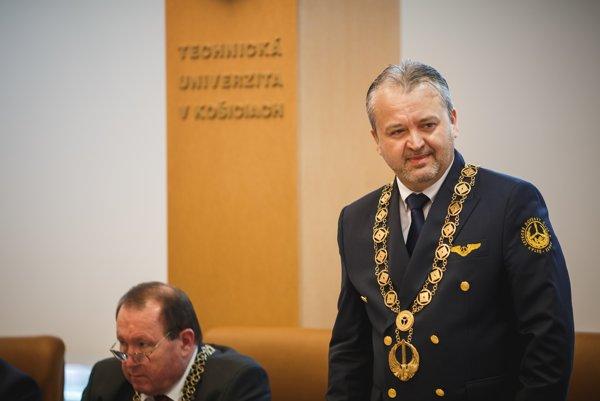 Stanislav Szabo. Nový dekan Leteckej fakulty TU Košice.