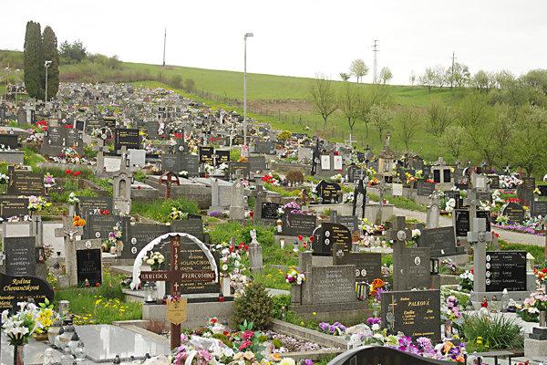 Cintorín musia rozšíriť.