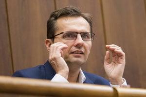 Ľubomír Galko bol ako minister obrany podozrivý zo zneužívania informačných prostriedkov.