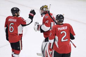 Tréner hokejistov Ottawy Senators Guy Boucher zrejme bude mať k dispozícii všetkých hráčov na piaty zápas finále play-off Východnej konferencie NHL proti Pittsburghu Penguins.