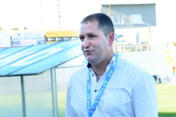 Tréner VSS Jozef Majoroš. Jeho zverenci podľahli rozbehnutej Nitre na jej trávniku rozdielom triedy.