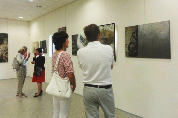 Výstavu obrazov Evy Pardupovej si môžete pozrieť v M'Art Print Gallery vo Veľkom Záluží.