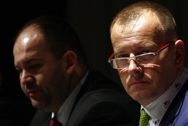 Sprava: Predseda hnutia Sme rodina Boris Kollár a Peter Pčolinský.