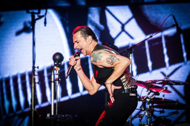 Dave Gahan na koncerte Depeche Mode na štadióne Pasienky.