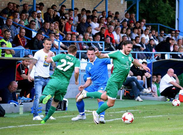 Gabčíkovo v derby porazilo Veľký Meder 4:0.