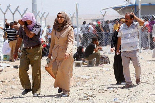 Státisíce Iračanov z Mósulu ušli do kurdského mesta Irbíl.