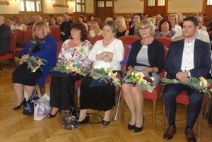 Čerství držitelia ceny – zľava Mária Kráľová, Blažena Šmotláková, Mária Csabová Varsányi, Viera Vlčková a Omar Mirza.