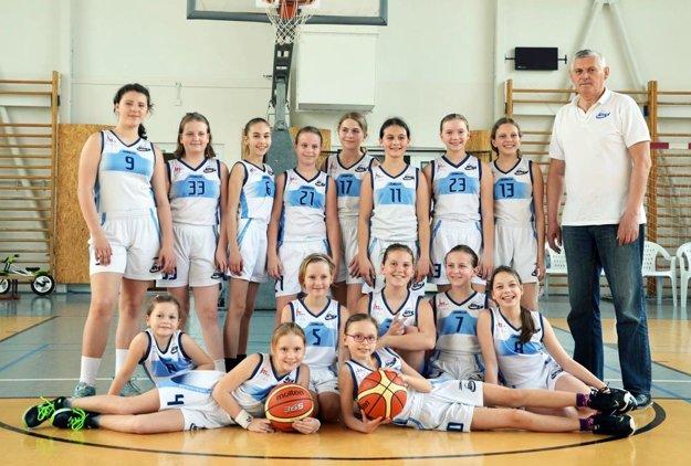 Staršie minibasketbalistky BKM Junior UKF Nitra.