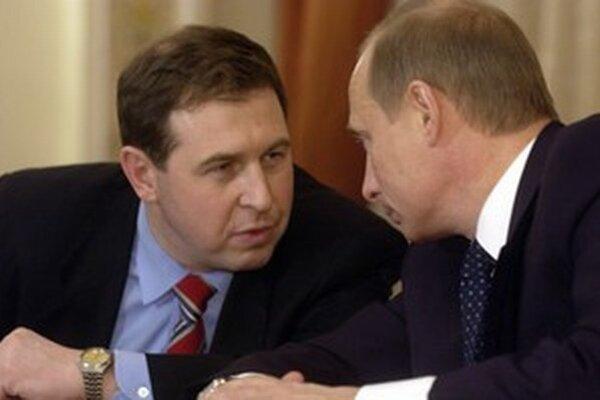 Niekdajší ekonomický poradca ruského prezidenta Andrej Illarionov (vľavo) pracuje v americkom Cato institute.