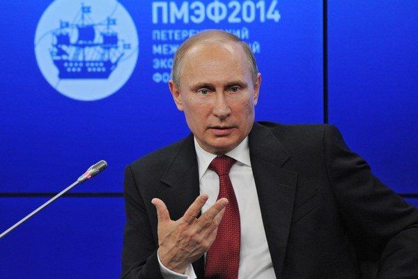 Vladimir Putin varoval, že sankcie sa obrátia proti tým, ktorí ich uvaľujú.