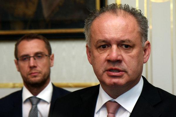Prezident Andrej Kiska (vpravo) a jeho hovorca Roman Krpelan.