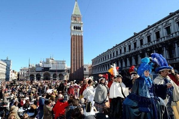 Otvorenia svetoznámeho karnevalu v Benátkach.