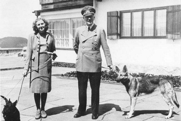 Eva Braunová a Adolf Hitler.