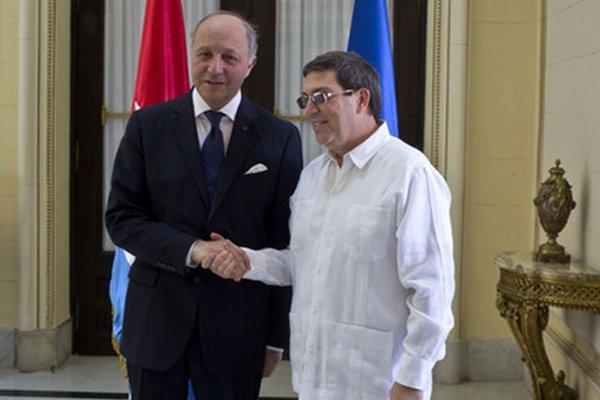 Francúzsky minister Fabius a jeho náprotivok Rodriguez.