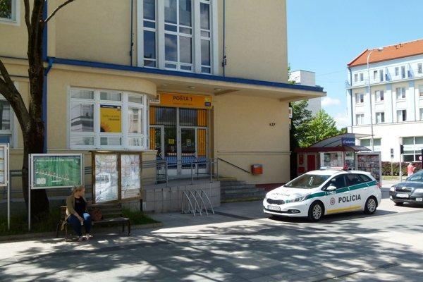 Policajti uzavreli tiež martinskú poštu.