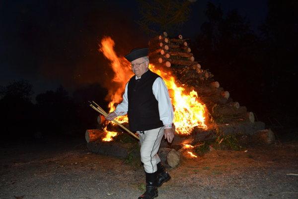V Spišskom Bystrom sa rozhorel jánsky oheň.
