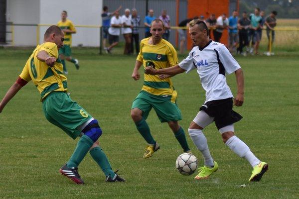 Víťazný gól Úpora strelil Marek Rugolský (vpravo).