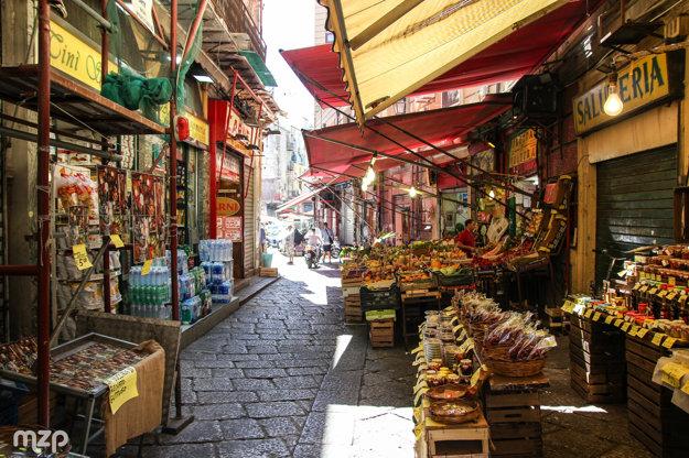 Pre Palermo sú typické aj pouličné trhy.