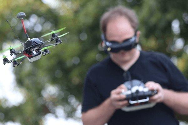Drony nám dnes umožňujú natočiť perfektné zábery zo vzduchu.