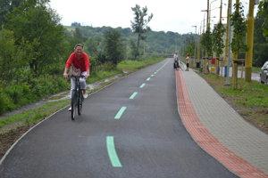 Nový cyklochodník. Na Bajkalskej.