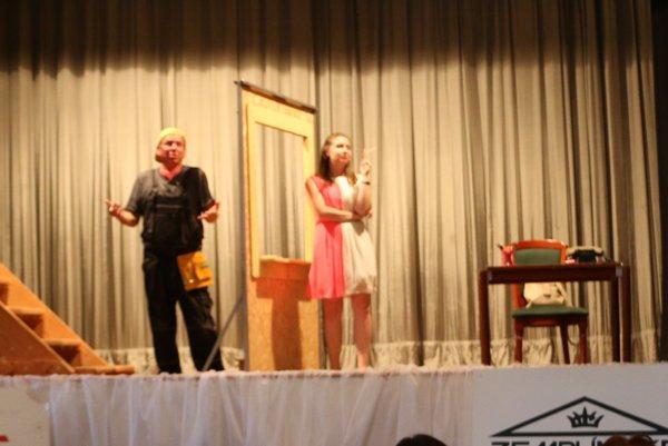 Na 7. ročníku podujatia Mihaľovske deski vystúpilo aj domáce Ochotnícke divadlo pri fontáne.