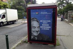 """""""Nedovoľme, aby sa nakoniec smial Soros!"""" píše sa na bilbordoch po celom Maďarsku."""