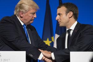 Donald Trump a Emmanuel Macron v Elyzejskom Paláci.