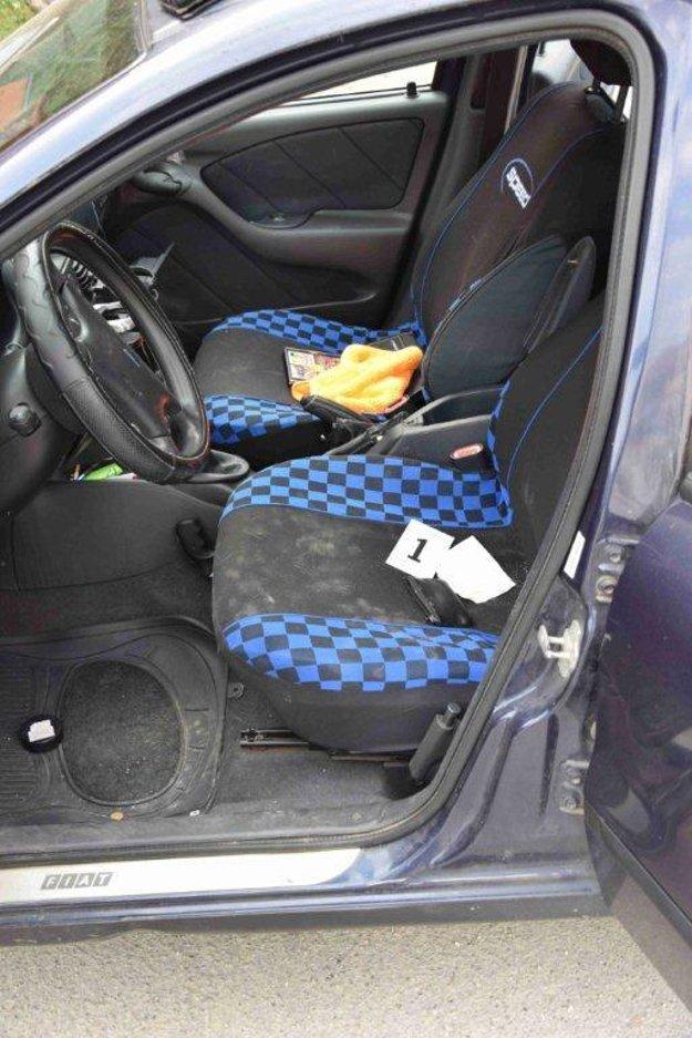 V tomto aute policajti zadržali Miroslava s drogami.