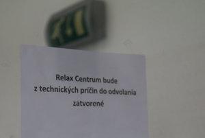 Takéto oznámenia sa pre problémy s vodou objavili na mestskom Relax centre v minulosti už viackrát.